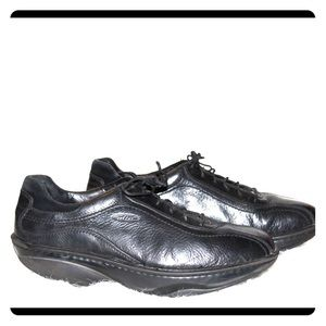 MBT all leather shoes size 43.
